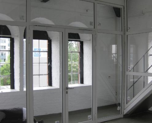 Feuerschutztrennwand mit Türen, Aluminium
