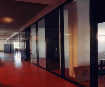 Stahl Glas Bürotrennwand mit Türen im Industrial Style