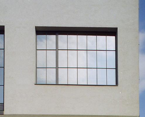 Stahlfenster Loftfenster in einer alten Industrieanlage wärmegedämmt