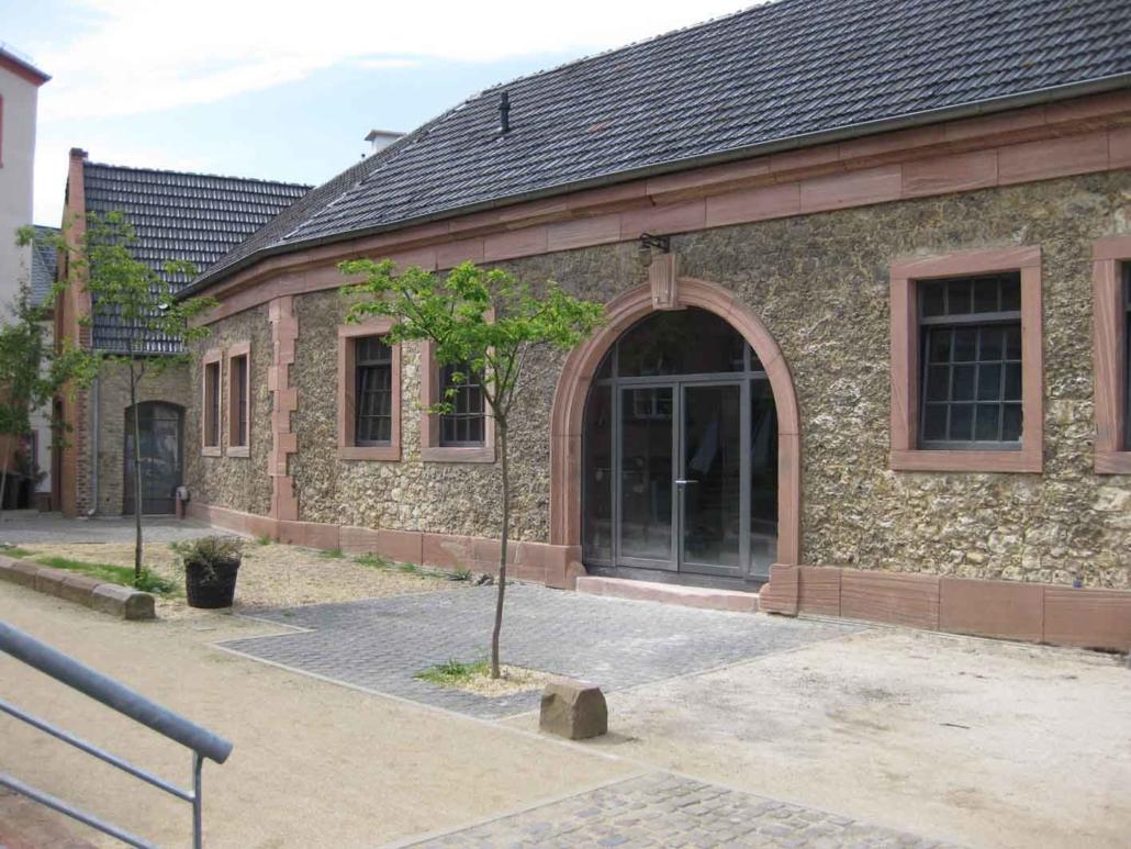 filigrane Stahlfenster und Türen im Bereich Denkmalschutz