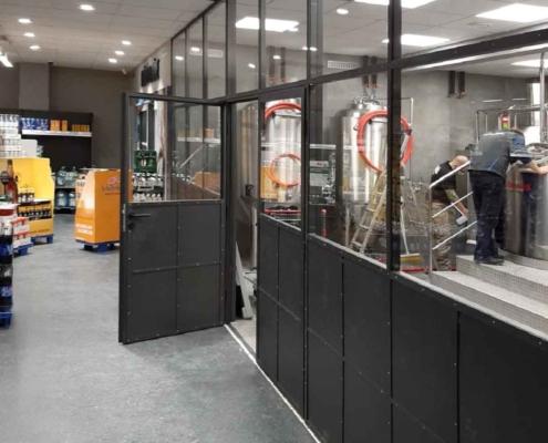 Trennwand Stahl-Glas mit Tür im Industriesetil schwarz