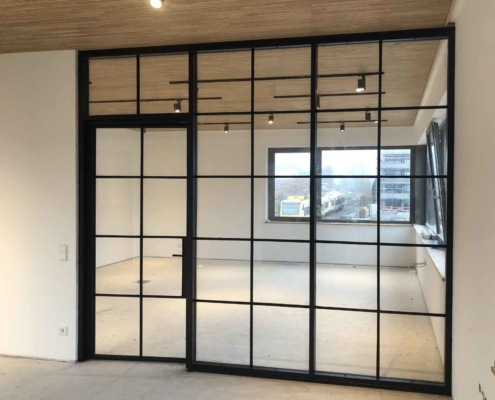 Trennwand Loftstyle Stahl-Glas mit Sprossen schwarz